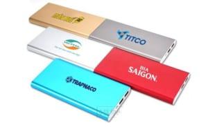 PKV 009 Pin sac du phong in khac logo lam qua tang quang cao thuong hieu